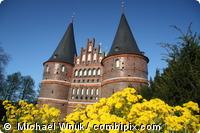 Blick aus Ihrer Ferienwohnung zum Holstentor in Lübeck.