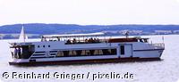 Ausflugsdampfer der Stadt Malchin auf dem Kummerower See