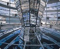 Blick in den Berliner Reichstag - Berlin