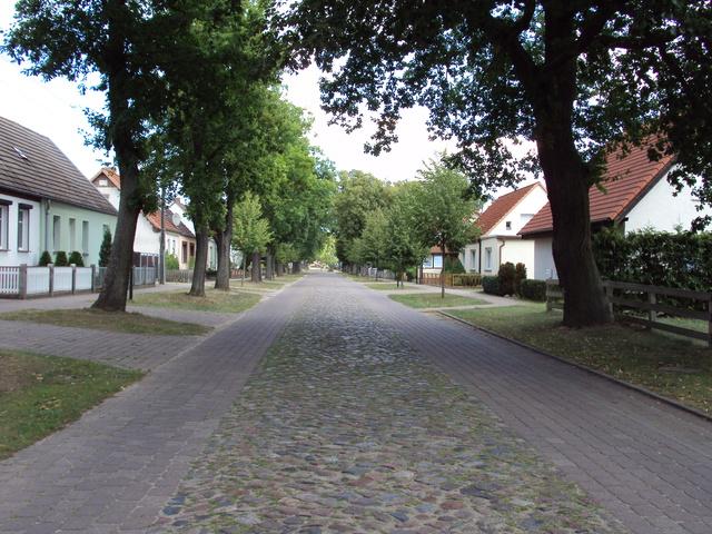 Dorfstr. in Kleinzerlang