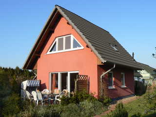 Ferienhaus Schiel Blick auf die Terrasse des Ferienhauses