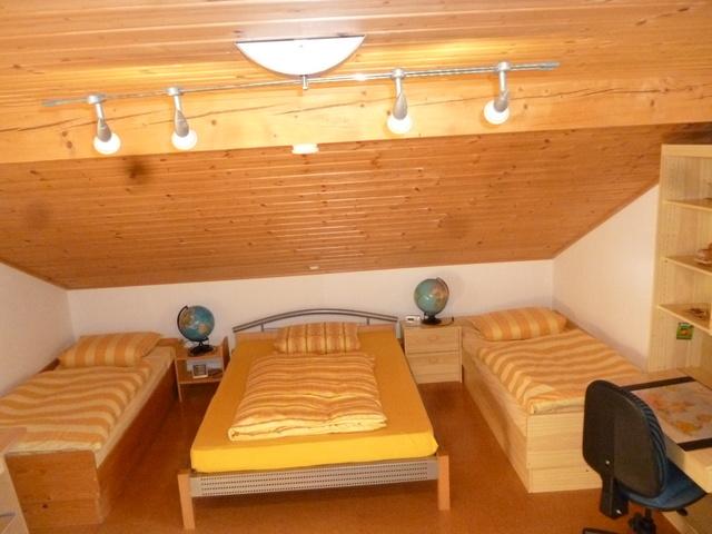 Dreibettzimmer Maisonette Korkb. u Fußbodenheizung