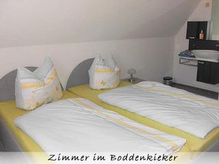 Ferienwohnung Boddenkieker Erstes Zimmer im Boddenkieker