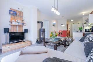 Villa Strandvogt WE 01 Wohnbereich mit Kamin