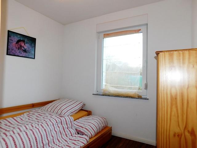 das zweite Schlafzimmer Hochparterre links