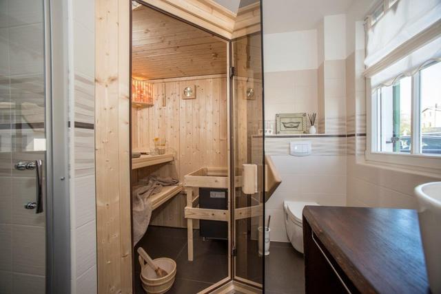 Bad in EG mit Dusche, WC und Sauna