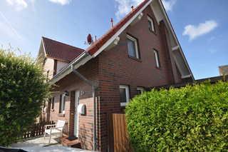 Nr. 73 - Ferienhaus Hajo's Huus Mittelweg Eingangsbereich / Parkplatz