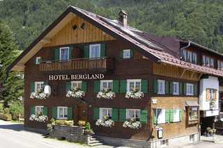 Landhaus Viktoria Hotel Bergland im Sommer