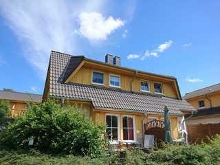 Usedomtourist Koserow Hauptstr. DHH 14 Außenansicht des Hauses