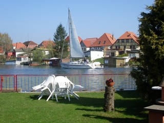 Ferienwohnung - 66743 Blick vom Garten auf den See