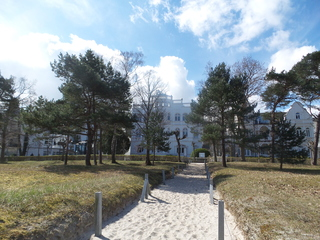 Ferienwohnung Sirene 01 im Ostseebad Binz auf Rügen Strandzugang direkt vor dem Haus