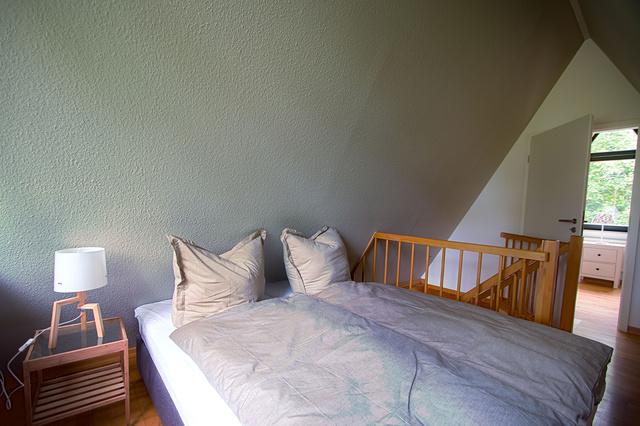 gemütliches Doppelbett für erholsame Nächte
