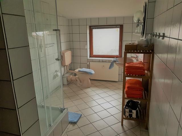 Dusche,WC,Handt.,Duscht.inkl.