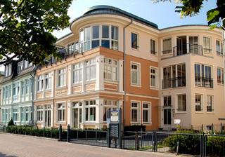 Villa Louise * Nr. 1 Villa Louise - direkt an der Ahlbecker Strandpr...