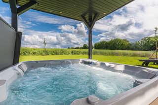 Luxus-Ferien-VILLA ARMONIA Eigener Außenwhirlpool (38 ° C) im Garten