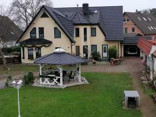 FEWO Vermietung Carmen Sagner Wohnhaus mit Fewo (Innenhof))
