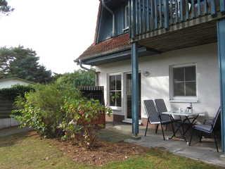 Zinnowitz Blumenstraße 30/31 WE 10 Terrasse mit Strandkorb & Gartenmöbeln