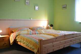 Ferienwohnung Neumann Schlafzimmer