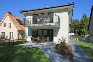 A: Ferienhaus Igelbau mit 2 komfortablen Ferienwohnungen Hausansicht