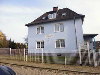 FeWo in der Villa Gora, in Bergen auf Rügen Strassenansicht von der Villa Gora.