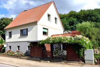 Ferienwohnung Burg Stargard SEE 8341 Außenansicht Wohnhaus mit Ferienwohnung