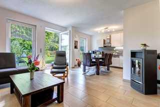 ZI_Ferienwohnung Ahorn Wohnzimmer mit Küche