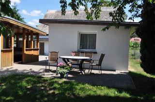 Ferienhaus Benz USE 1641 Außenansicht Ferienhaus mit Terrasse