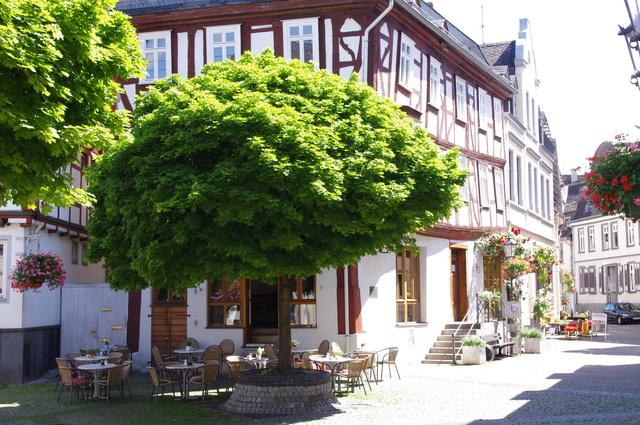 romantisches Cafe am alten Marktplatz in Diez