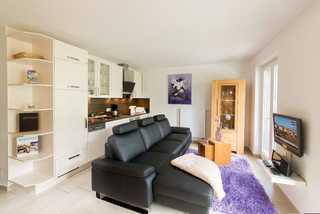 Residenz-Margarete 1.8 by binz-apart Wohnbereich