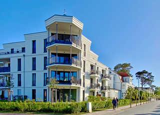 Ferienwohnung Vier Jahreszeiten mit Meerblick und Balkon Ferienwohnung Villa Düne mit Meerblick und Balk...