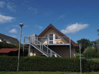 BÖ Seestraße Ferienhaus Findling Fewo 1 Straßenansicht