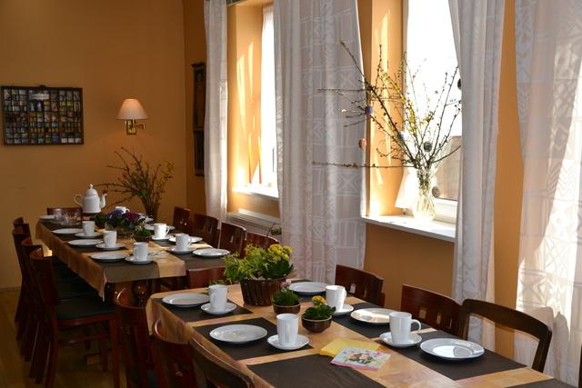 Frühstückstisch mit Platz für alle