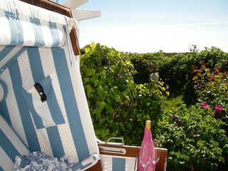 Ferienwohnun Sönshörn 26 - Wohnung 5 Der eigene Strandkorb auf der Terrasse