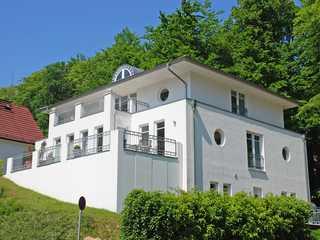 Villa am Park F559 WG 2 Düne im 1. OG mit Balkon Villa am Park im Ostsebad Sellin Hausansicht
