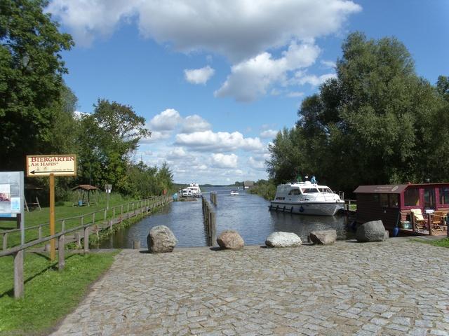 Sportboothafen Wesenberg