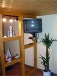 Raumteiler mit Fernseher