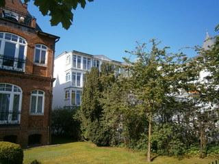 Ferienwohnung Villa Freia 13 im Ostseebad Binz auf Rügen Blick vom Meer zur Villa Freia