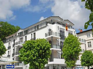 Villa Lena F588 WG 11 im 3.OG mit Meerblick vom Balkon Villa Lena im Ostseebad Sellin Hausansicht