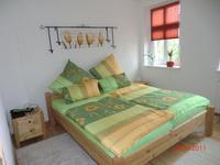 Ferienwohnung Lehmliese Schlafzimmer mit Doppelbett 1,80x2,00m