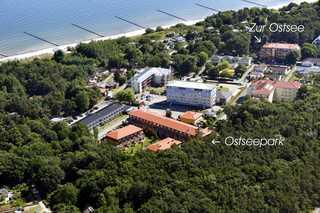 Zempin Ostseepark WE 36 **Insel Usedom**150m zum Strand** Luftaufnahme mit Blick auf die Ferienanlage Ost...