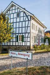 Haus in Bewegung - denkmalgeschützter Fachwerkhof Das Objekt ist eine unter denkmalschutz stehend...