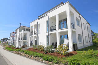 A: Villa Antje Whg. 12 mit Balkon Hausansicht