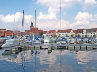 Ferienwohnung Waren Müritz SEE 9751 Hafen von Waren (Müritz),nur wenige Schritte en...