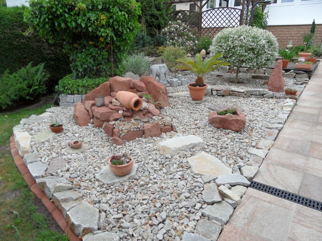 Beautiful Steingarten Mit Springbrunnen Images - Amazing Home Ideas ...