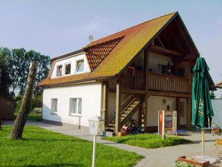 Ferienwohnung und Suite bei Stralsund Hausansicht