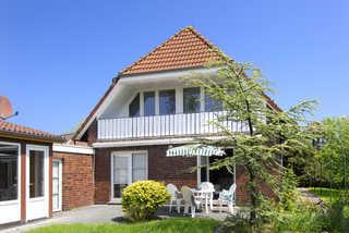 Ferienwohnungen Haus Konteradmiral Ulrich Lübbert Terrasse und Garten