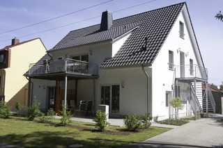 Haus Werder Wohnung 3 mit Kamin Vorderansicht