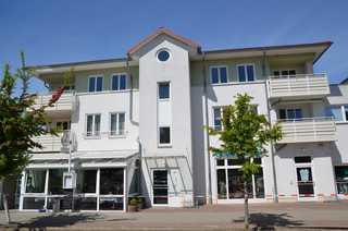 Ferienwohnung Ostseecharme/REIß Haus von der Straßenseite aus gesehen
