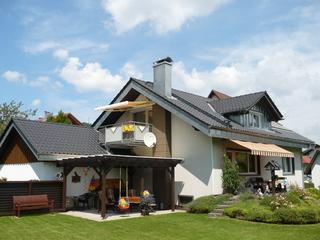 Ferienwohnung Dieter Rothfuß Sommerbild Haus