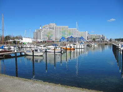 Hafen und Ostseehotel